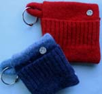 leash pouch- hold treats, keys, bags